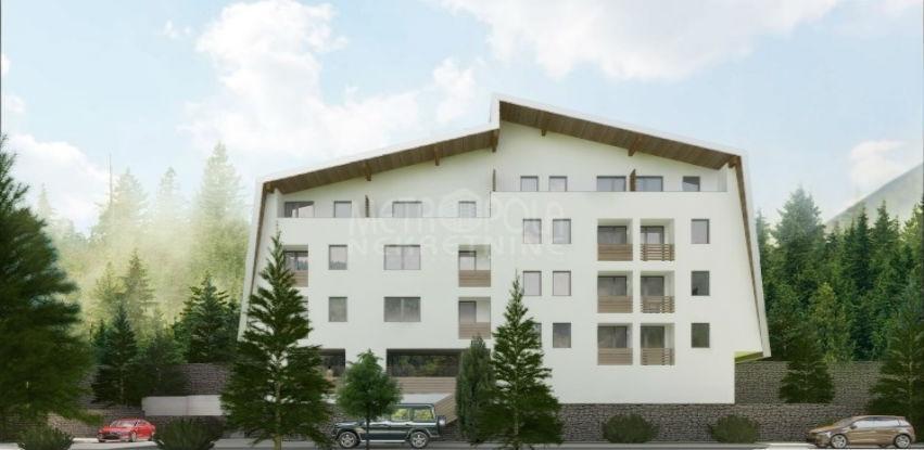 Metropola nekretnine: Trosoban apartman sa pogledom na stazu!