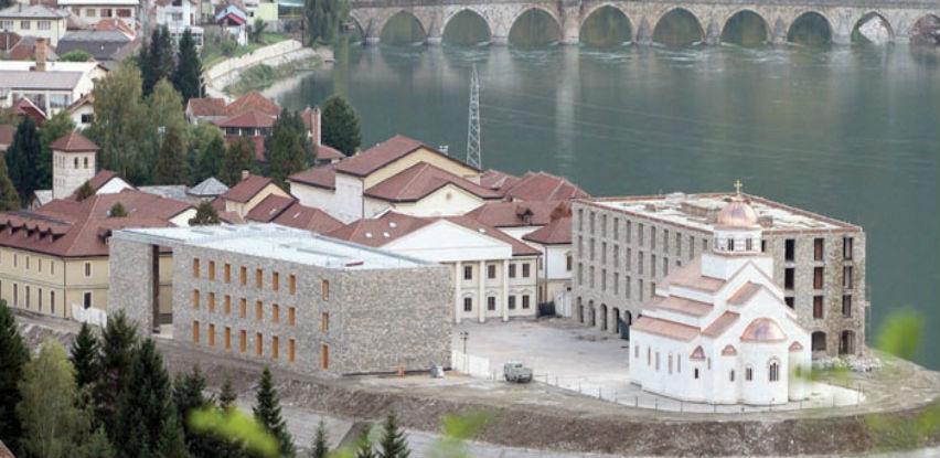 Andrićgrad poslovao s gubitkom, revizori upozoravaju na 'rizik' po RS