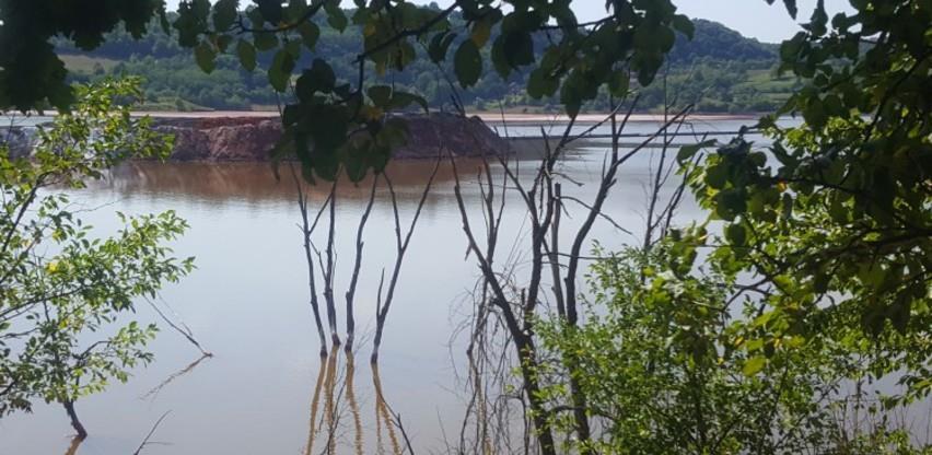 Ogromne količine toksičnog otpada na nekoliko metara od naselja u Zvorniku