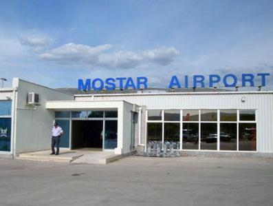 Od 1. ožujka se ponovno uvode stalne zračne linije sa mostarske zračne luke za talijanske gradove Rim, Napulj i Bari. Letovi će biti organizirani utorkom i petkom i takav raspored će trajati do 1. listopada.