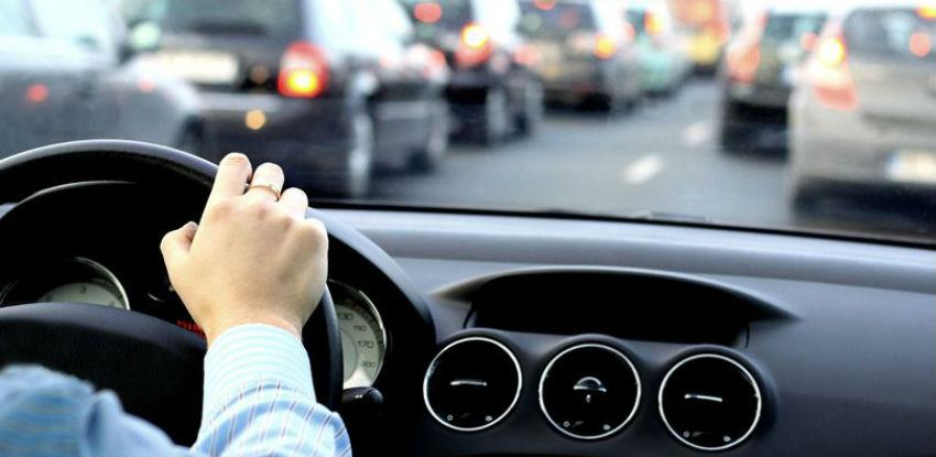 U BiH 80 posto domaćinstava ima automobil, na tri vozačke dozvole jedno vozilo