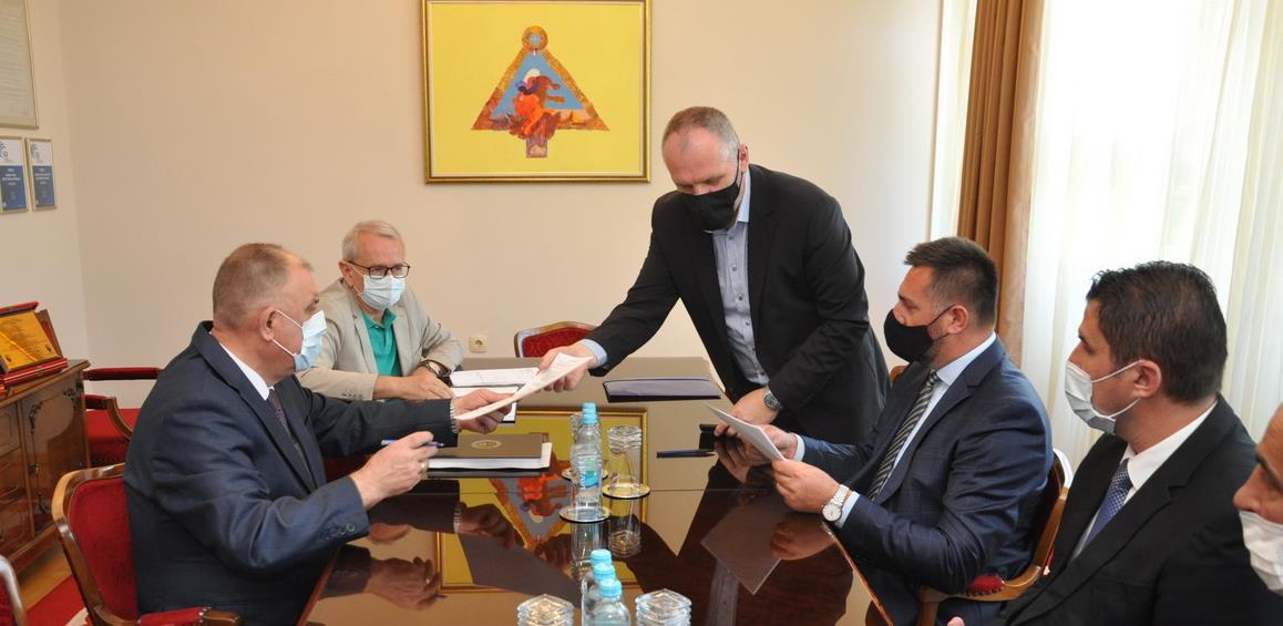 Ugovorena subvencionisana gradnja putne infrastrukture u Prijedoru