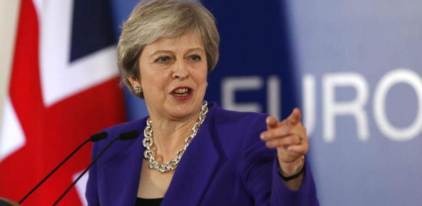 Theresa May dala zeleno svjetlo za Huawei u Britaniji