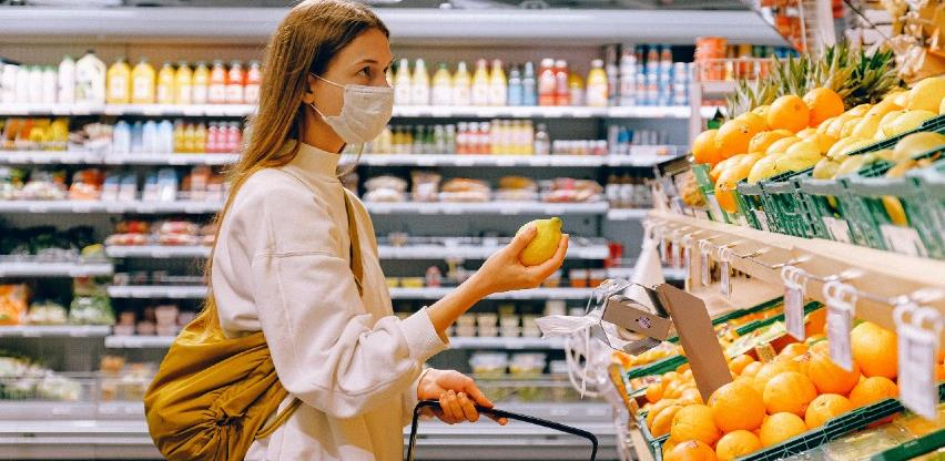 Dozvoljen rad prehrambenim radnjama u tržnim centrima u RS