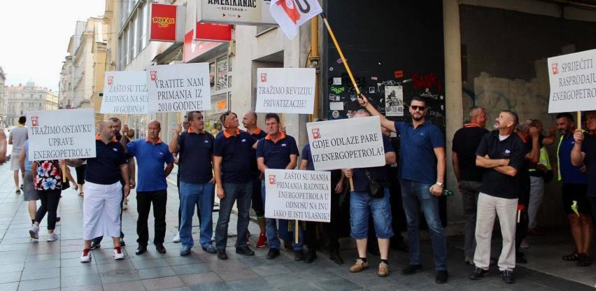 """Radnici """"Energopetrola"""" iz tuzlanske regije protestuju u Sarajevu"""