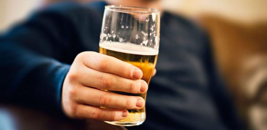 Građani BiH popiju 4 litre alkohola godišnje, Srbi na prvom mjestu