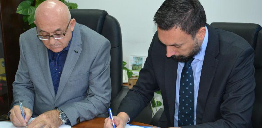 Potpisan Kolektivni ugovor: Medecinarima veće plaće