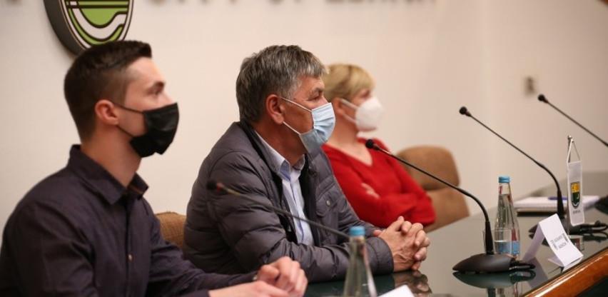 Potpisani ugovori za dodjelu plastenika za 20 korisnika u Zenici