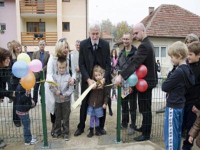 Završena izgradnja igrališta od 30.000 KM u Žunovnicama