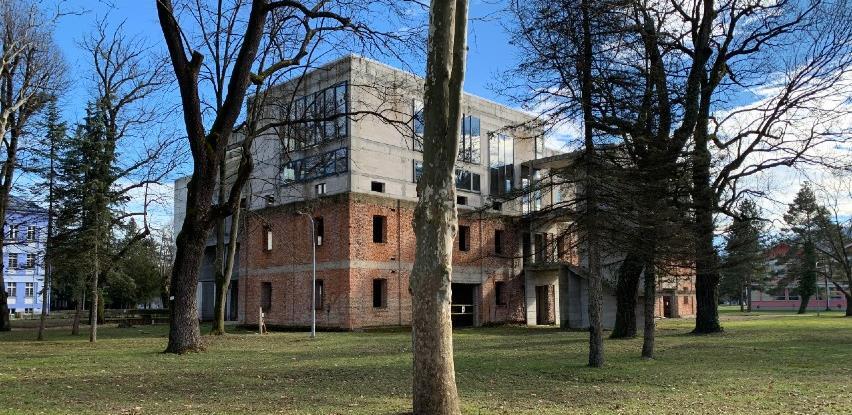Objavljen tender za završetak radova na zgradi Arhitektonskog i Šumarskog fakulteta u Banjoj Luci