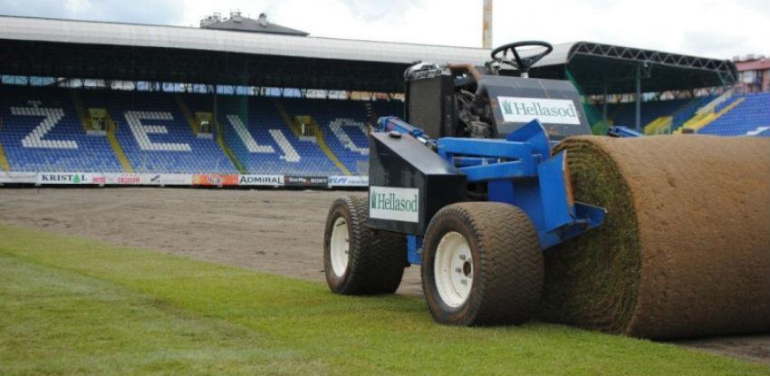 Na stadionu Grbavica počelo postavljanje nove trave