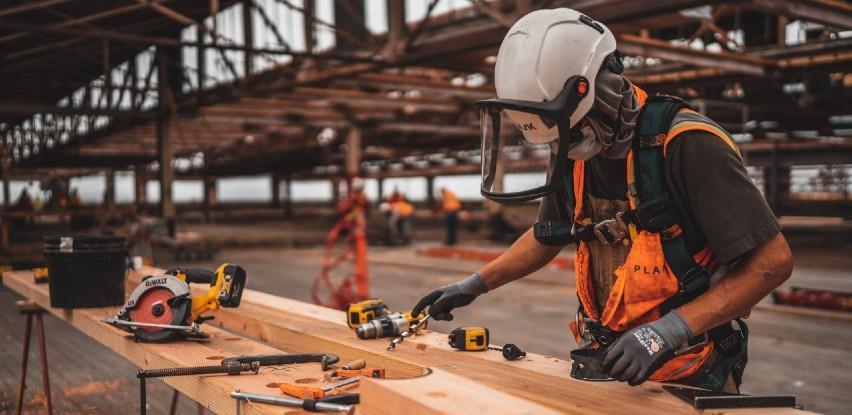 Vlada FBiH: Preporuke poslodavcima za zaštitu radnika od visokih temperatura