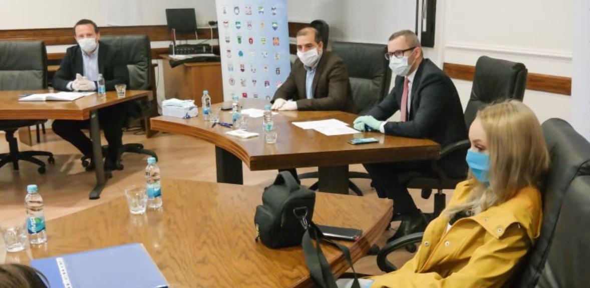 """Potpisan ugovor između Opštine Prnjavor i Fondacije """"Mozaik"""""""