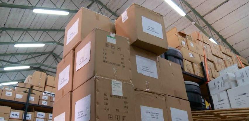 Dok zdravstvo vapi za opremom, donacije leže u skladištima