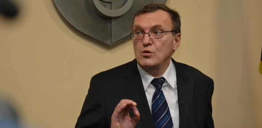 Dr. Stevanović: Nema mjesta panici, ali ima poduzimanju još rigoroznijih mjera