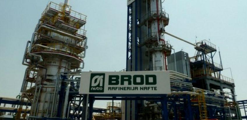 Velika eksplozija u rafineriji nafte u Bosanskom Brodu