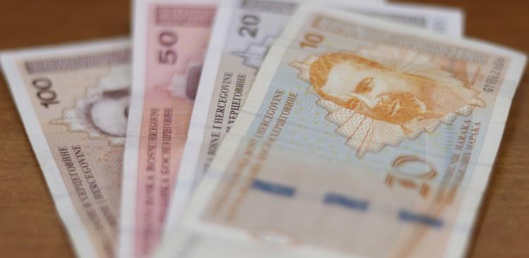 Prosječna aprilska plata u BiH 985 KM