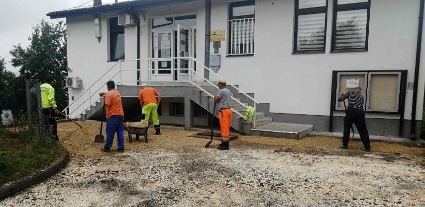 Općina Novo Sarajevo: Sanacija parking prostora i prilaza objektu ambulante Pofalići