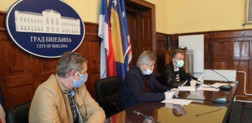 Ponovo rade privrednici u Bijeljini, obavezno nošenje maski i rukavica