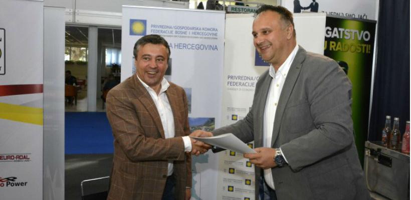 Predsjednik Grupacije proizvođača i prerađivača smilja Dinko Dujmović pojasnio je kako će im ugovor omogućiti zajednički nastup.
