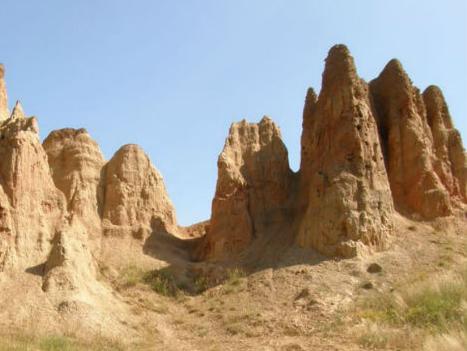 Novim putevima do pješčanih piramida i kanjona Tare