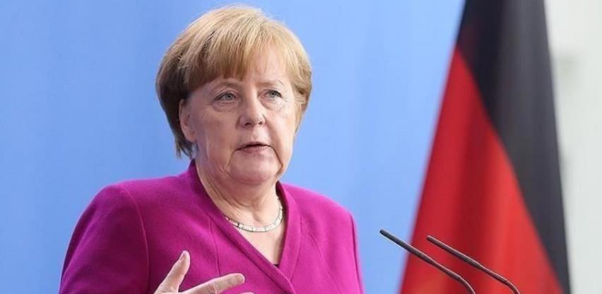 Merkel poručila da restriktivne mjere ostaju na snazi do početka aprila