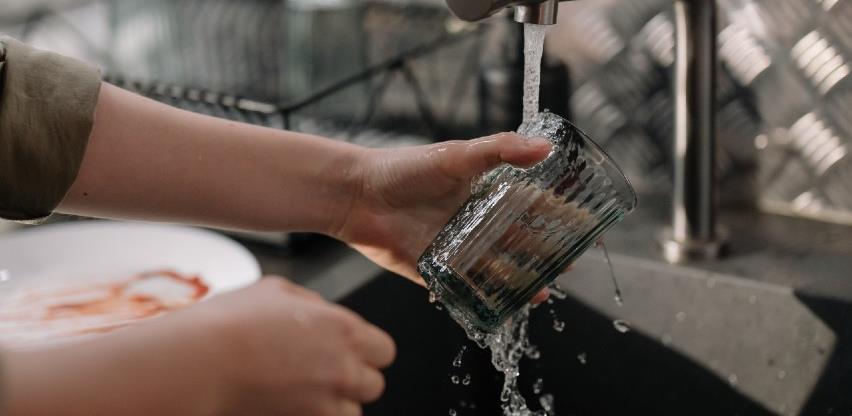 Pranje posuđa – svakodnevna aktivnost koja jača mozak