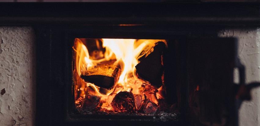 Objavljen poziv za zamjenu peći na ugalj i ostala čvrsta goriva certificiranim pećima u KS