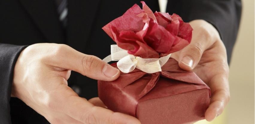 Imovina stečena nasljeđem i poklonom oslobođena poreza