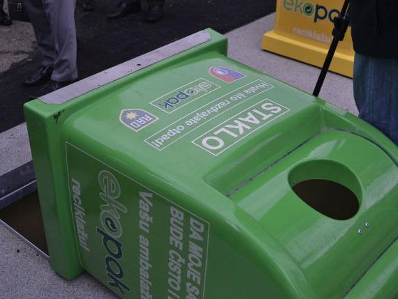 Sarajevo dobilo prve podzemne kontejnere za odlaganje otpada