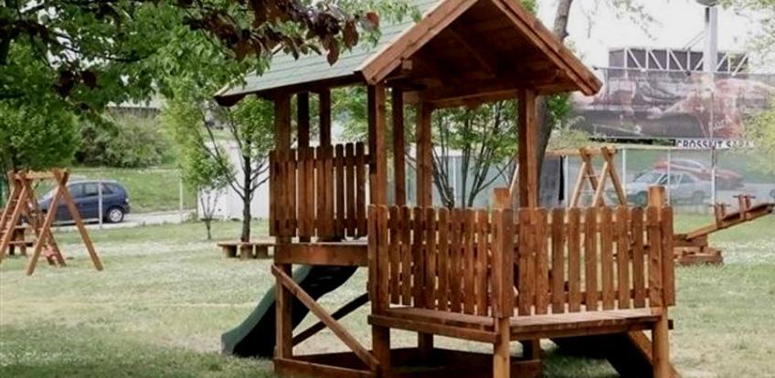 Kompanija Babel će opremiti šest novih dječijih igrališta u Hadžićima