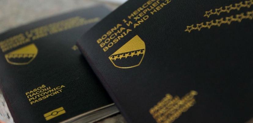 Završena agonija sa pasošima: Muehlbaueru posao od 28 miliona maraka