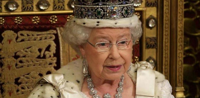 Kraljica Elizabeta ima tajni Facebook profil