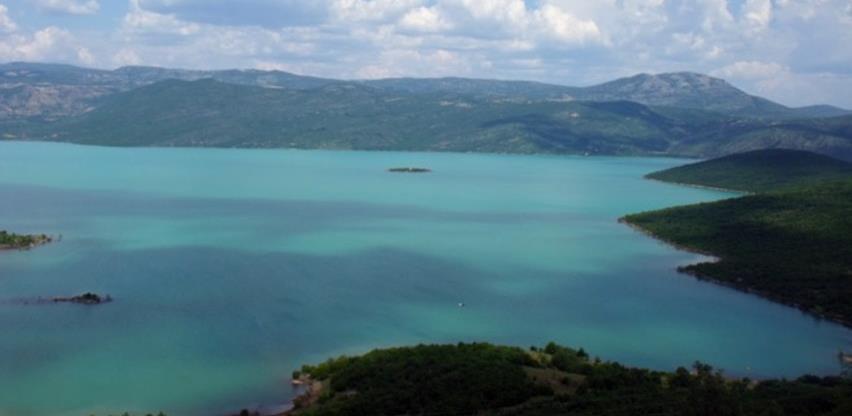 "Bilećko jezero: ""Hercegovačko more"" dočekalo kupače"