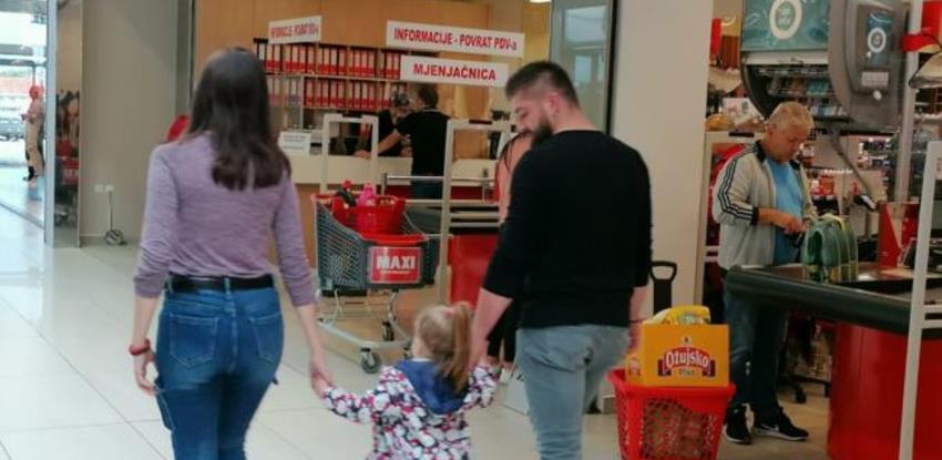 Kupuje se sve: Slavonci jedva dočekali kupovinu u BiH