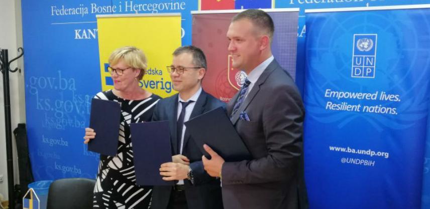 Potpisan ugovor o povećanju energetske efikasnosti 24 objekta na području KS