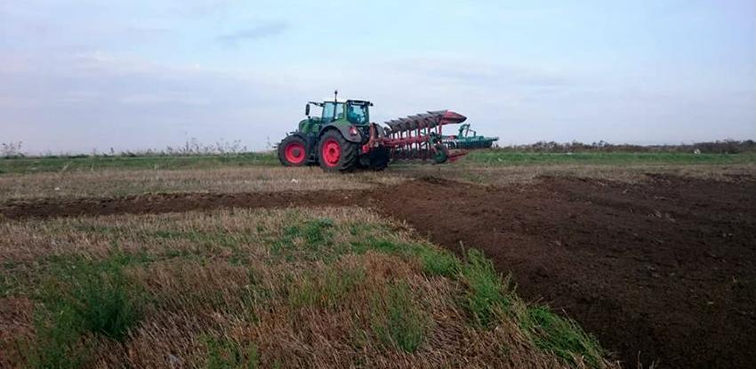 Šarović: Boljka bh. poljoprivrede zastarjela mehanizacija