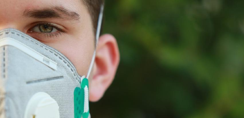Znanstvenici izračunali koliko virusa ispusti zaraženi u minuti glasnog pričanja