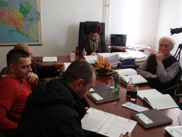 Potpisan Ugovor za pripremne radove asfaltiranja na letjelištu Brda