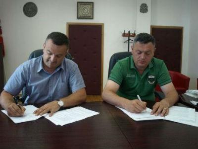Potpisan ugovor o izvođenju radova na asfaltiranju cesta oko Buškog jezera