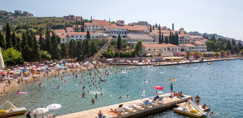 U RS-u podijeljeno 4.000 turističkih vaučera, u FBiH odustali od te ideje