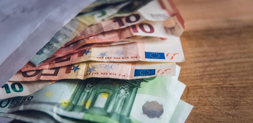 Evropa živi na kredit, o cehu će razmišljati kasnije