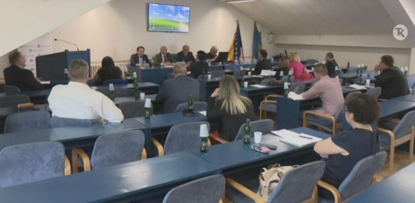 U Tuzli poslovni forum o razvojnim koridorima i privrednim zonama