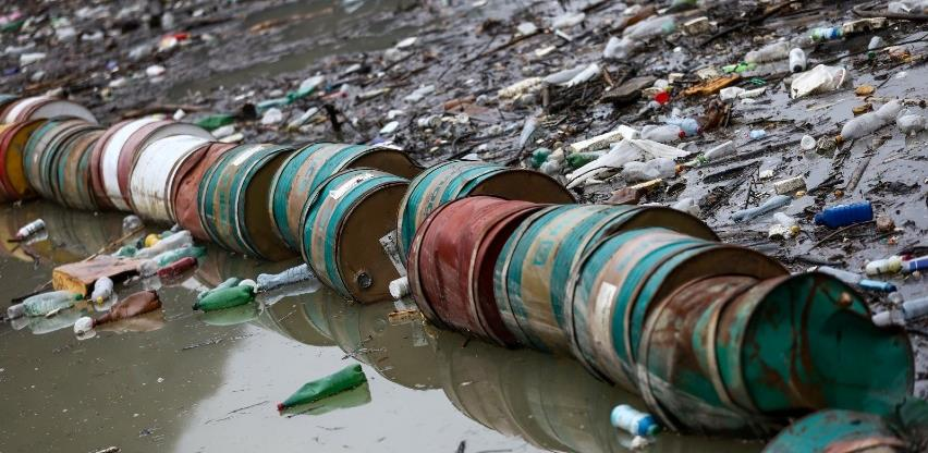 Počelo čišćenje plutajućeg otpada na rijeci Drini