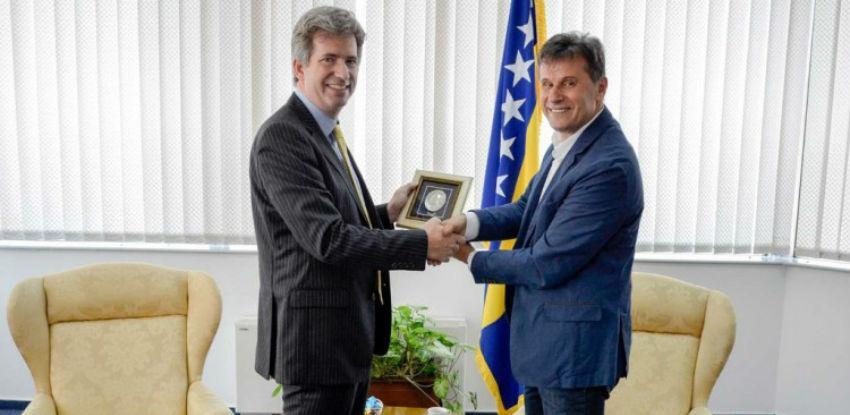 Ambasador Ferguson u oproštajnoj posjeti kod premijera Novalića