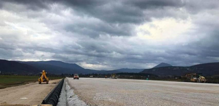 Pri kraju izgradnja testne piste na budućem aerodromu u Bihaću