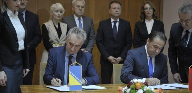 BiH i Srbija potpisale protokol o uklanjanju necarinskih barijera