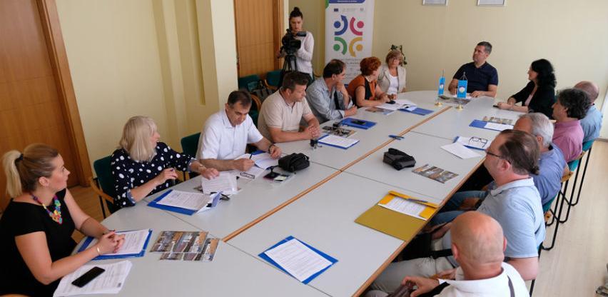 Potpisani ugovori za sufinansiranje zapošljavanja pripravnika u 11 ustanova
