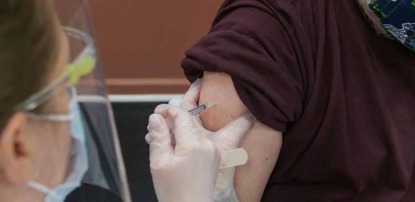 Slovenskom liječniku potvrđena reinfekcija koronavirusom unatoč cijepljenju