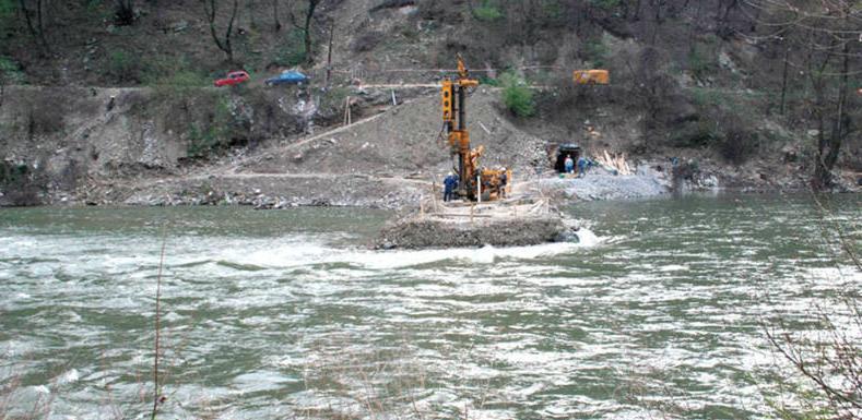 Na lokalitetu buduće hidroelektrane Vranduk na rijeci Bosni trenutno se rade istražna mjerenja i bušotine.